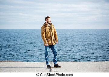 álló, figyelmes, móló, tenger, ember
