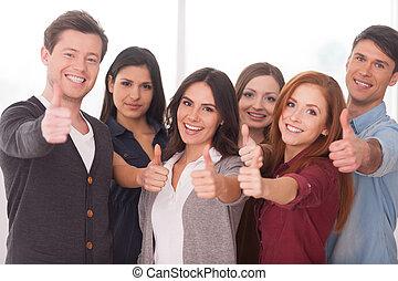 álló, mi, csoport, emberek, sikeres, fiatal, team!, jókedvű, más, mindegyik, becsuk, gesztus