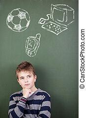 álló, mozgatható, ball;, azt, ellen, telefon, figyelmes, számítógép, chalkboard, diák, húzott, futball, preadolescent
