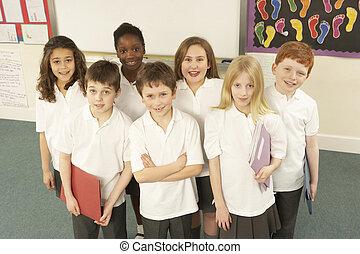 álló, osztályterem, portré, iskolások