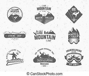 állhatatos, elnevezés, hódeszka, külső, tervezés, mászó, jel, vadon, hegy, kempingezés, szüret, utazás, csípőre szabott, erdő, húzott, insignia., badge., felfedező, jelkép, kéz, kaland, ikon, tábor, vektor