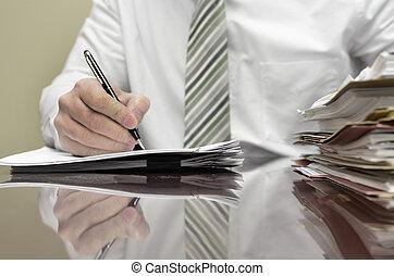 állományokat, üzletember, íróasztal, írás