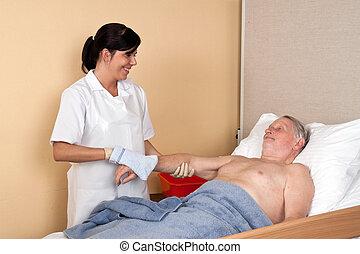 ápoló, megmosakszik, türelmes
