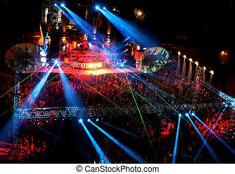 éjszaka, outdoor megbeszél, tánc, emberek