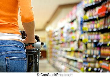 élelmiszer áruház, anyagbeszerző