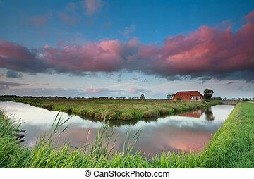 épület, felett, bájos, napnyugta, holland, folyó