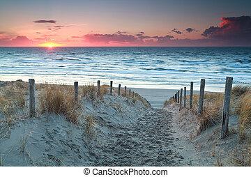 észak, homok, napnyugta, tenger, út, tengerpart, előbb