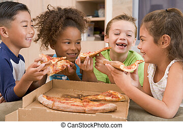 étkezési, fiatal, négy, bent, mosolygós, gyerekek, pizza