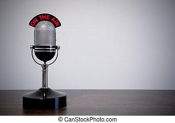 íróasztal, mikrofon, retro