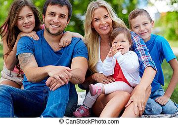 öt, család, boldog