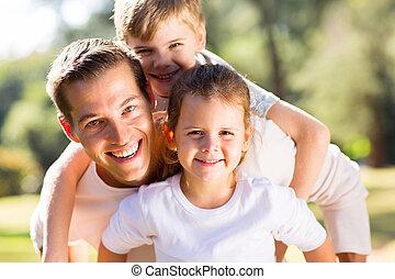 övé, atya, játék, gyerekek