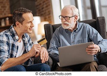 övé, odaad, laptop, atya, fiatal, kártya, használ, part, ember
