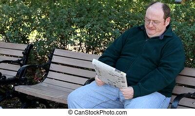 újság, felolvasás, ember