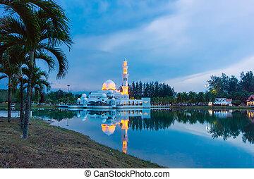 úszó, mecset