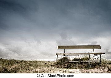 üres, bírói szék
