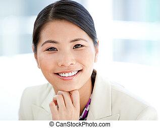 üzletasszony, pozitív, portré