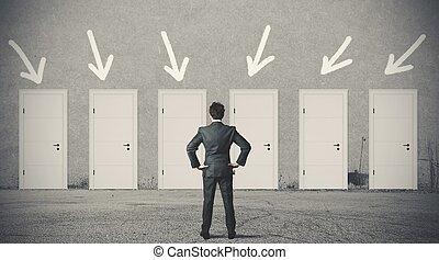 üzletember, helyes, ajtó, eldöntés