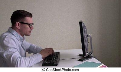 üzletember, számítógép, hivatal, dolgozó