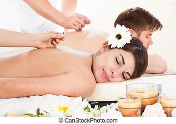 akupunktúra, nő, elszenvedő, boldog