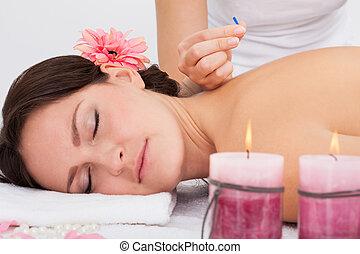 akupunktúra, nő, terápia, kinyerés