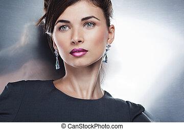 alkat, profi, feltevő, mód, gyönyörű, portré, formál, jewelry., frizura, varázslat, kizárólagos