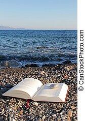 anyag, felolvasás, tengerpart