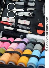 anyagi készletek, varrás, felszerelés