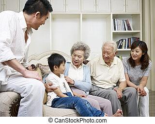 asian család