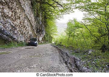 autó, hegyek
