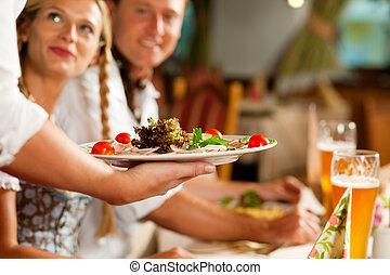 bajor, felszolgálás, pincérnő, étterem