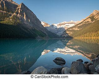 banff, nemzeti, gondolkodás, gyönyörű, tó, környezet, közben, liget, napkelte, kanada, alpesi növény, louise, -e, lövés