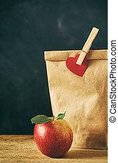 barna, alma, ebédel, feláll, táska, becsuk, piros