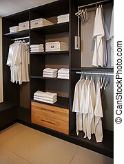 beépített szekrény, ruha