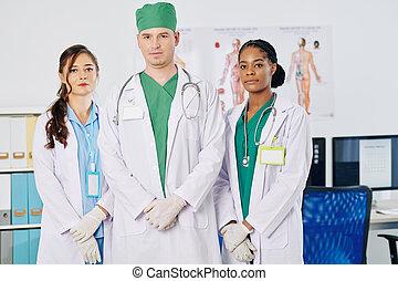 befog, multi-ethnic, orvosi