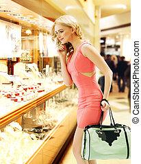 bevásárol ablak, nő, megünnepel