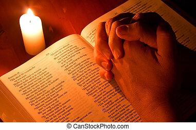 biblia, fény, könyörgés, összehajt kezezés, gyertya