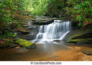 blue hegy, hegygerinc, természet, elhomályosít, bitófák, buja, hintáztatni, víz, zöld, vízesés, folyó, csendes, indítvány, táj