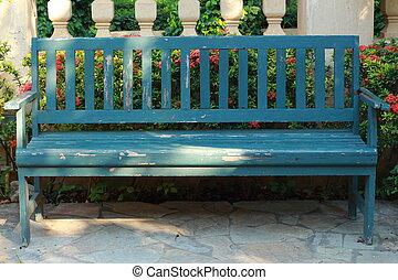 blue szék, erdő, vintage.