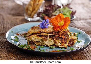 blue tányér, lasagna