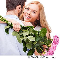 boldog, gyönyörű, birtok, ölelgetés, párosít., agancsrózsák, elszigetelt, fiatal, csokor, álló, időz, nő, párosít, mindkét, háttér, mosolygós, szerető, rózsaszínű, fehér