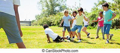 boldog, játszótér, gyerekek, liget, játék foci, társaság