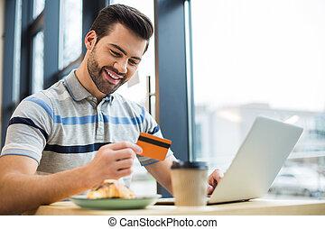 boldog, jókedvű, kártya, ember, övé, látszó, hitel