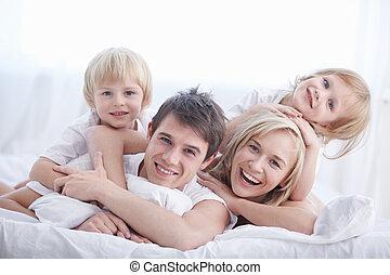 boldogság, család