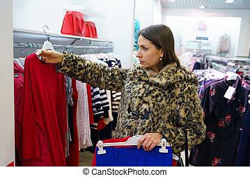 bolt, woman bevásárol, ruha, eldöntés, közben, öltözet