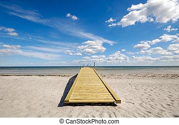 bridzs, tengerpart