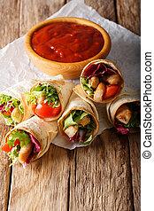 burrito, függőleges, növényi, fejes saláta, finom, pulyka, close-up.