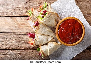 burrito, növényi, fejes saláta, finom, close-up., pulyka, horizontális, tető kilátás