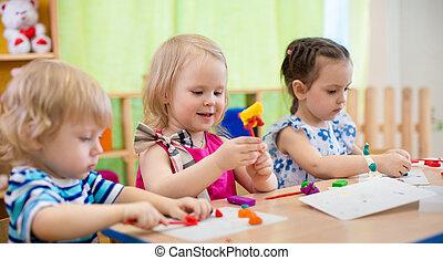crafts., rajzóra, gyerekek, kindergarten., gyártás, gyerekek