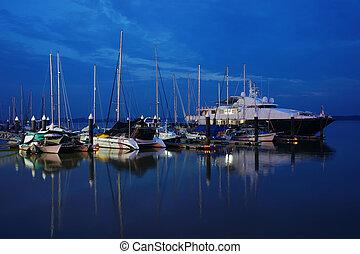 csónakázik, móló, várakozás