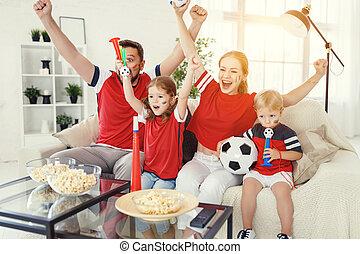 család, karóra televízió, labdarúgás, rajongó, otthon, gyufa